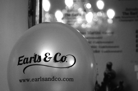Earl's & Co balloon